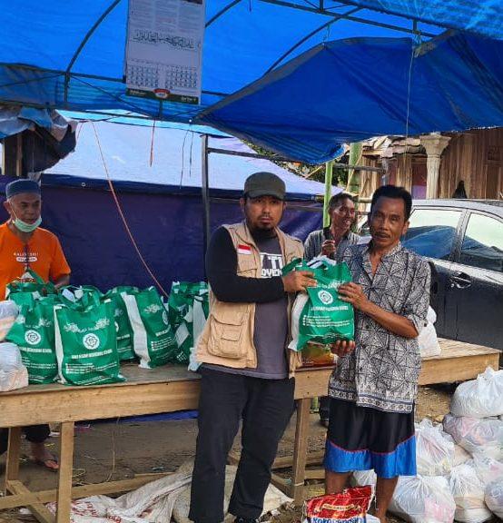 Penyaluran Bantuan Sosial Dan Kemanusiaan Untuk Korban Banjir Di Kabupaten Hulu Sungai Tengah, Kalimantan Selatan